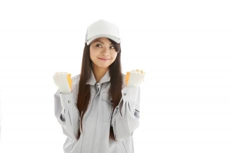 女性スタッフ活躍中 物流倉庫内で医薬品などの商品を梱包・仕分けするアルバイト